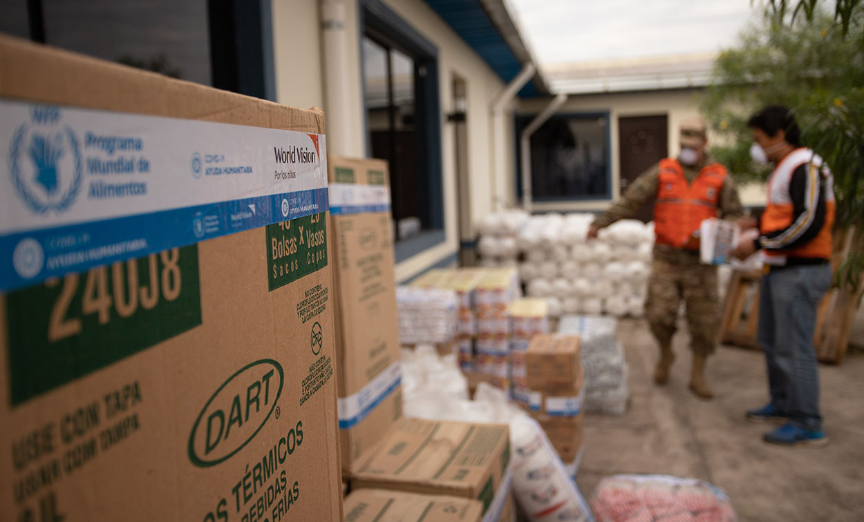 World Vision entrega alimentos para niños durante cuarentena